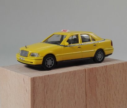 scale model yellow athens taxi αθηναικο ταξι κιτρινο κλιμακα 1/87